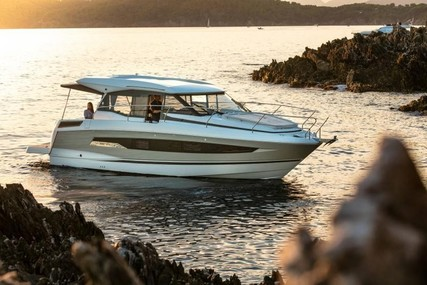 Jeanneau NC 37 for sale in Germany for €389,500 (£327,906)