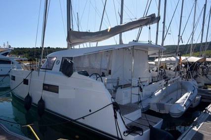 Nautitech 40 for sale in Croatia for €250,000 (£228,294)