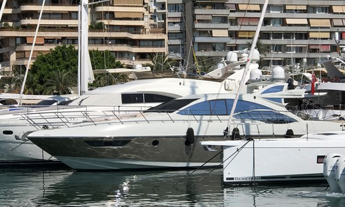 Image of Azimut Yachts 62 S for sale in Spain for €690,000 (£572,576) Spain