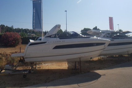 Jeanneau Leader 30 for sale in France for €185,000 (£168,937)