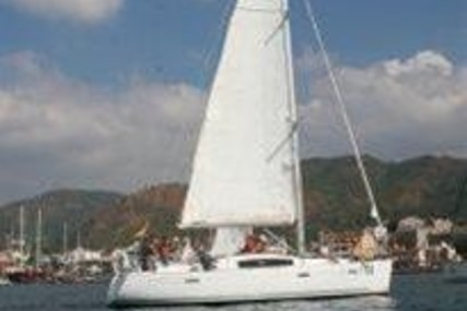 Beneteau Oceanis 40 for sale in Turkey for €95,000 (£85,578)