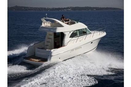 Prestige 36 for sale in France for €89,000 (£78,841)