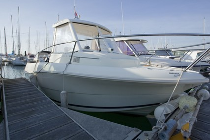 Jeanneau Merry Fisher 585 for sale in France for €10,000 (£8,605)