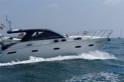 Sealine SC 35 for sale in Italy for €184,000 (£165,739)