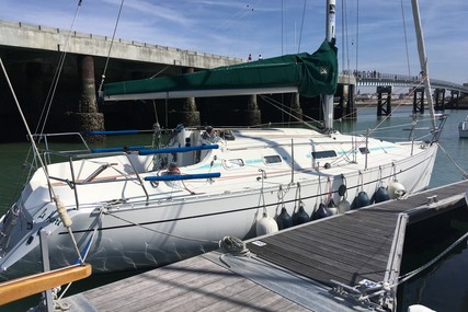 Beneteau First 310 for sale in France for €24,002 (£21,996)