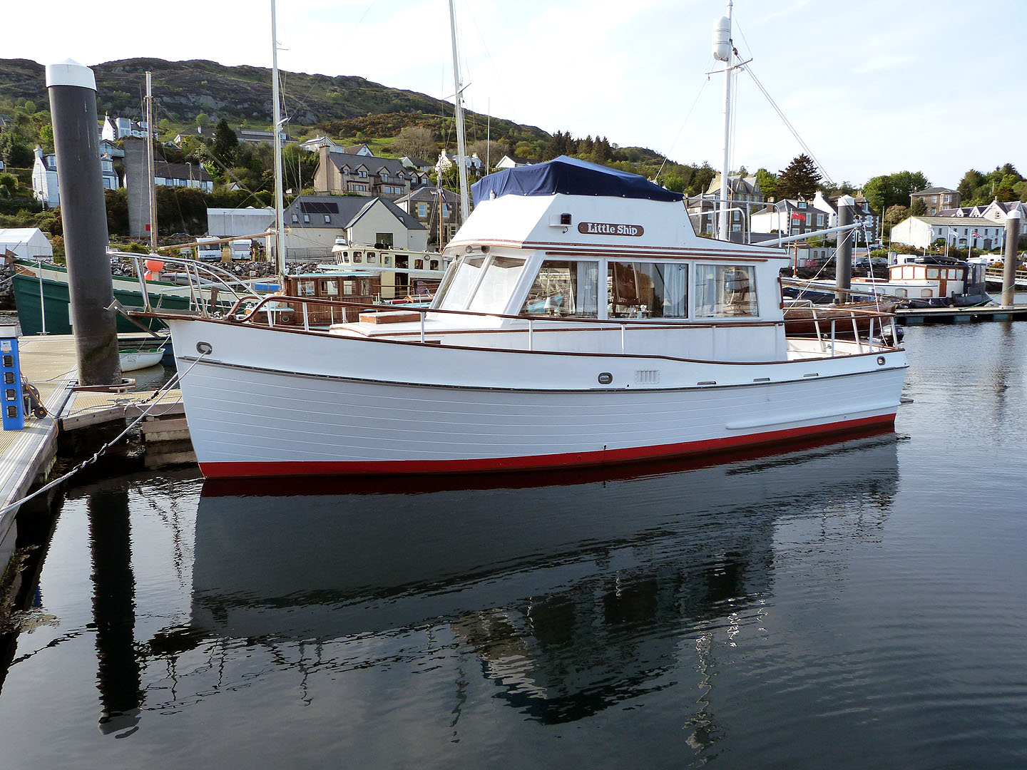 Banks For Sale >> Custom Grand Banks 32 For Sale In United Kingdom For 42 500