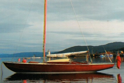 Custom Varnished Classic Day Boat for sale in United Kingdom for £10,950