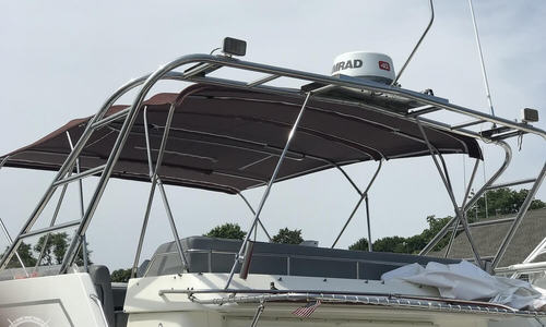 Image of Cruisers Yachts 4280 Flybridge Expres for sale in United States of America for $58,250 (£41,715) Falmouth, Massachusetts, United States of America