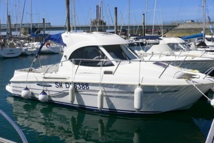 Beneteau Antares 7 for sale in France for €34,900 (£30,122)