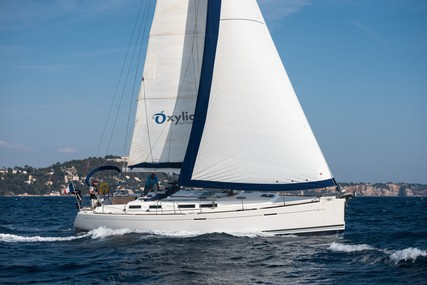 Dufour Yachts 425 Grand Large for sale in France for €124,000 (£104,840)