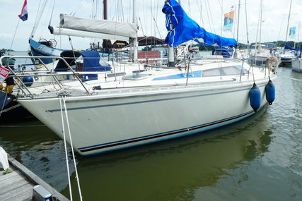 Maxi 999 for sale in Netherlands for €32,500 (£28,884)