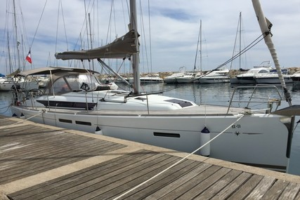 Jeanneau Sun Odyssey 409 for sale in France for €109,000 (£93,693)
