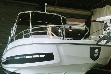 Beneteau Flyer 7.7 Spacedeck for sale in France for €61,600 (£54,568)