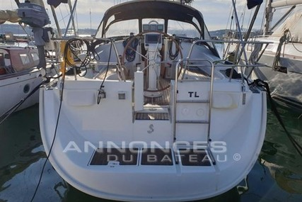 Beneteau Oceanis 423 for sale in France for €88,500 (£78,950)