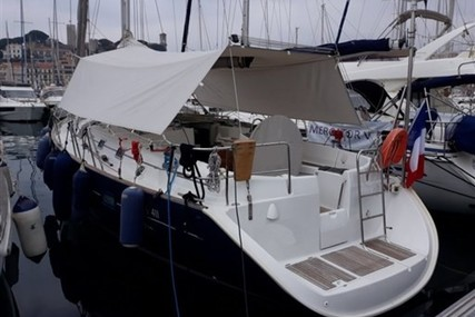 Beneteau Oceanis 411 for sale in France for €98,000 (£86,813)