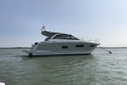 Jeanneau Leader 40 for sale in France for €239,000 (£203,453)