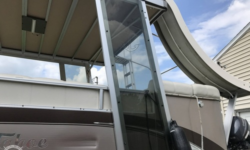 Image of Tahoe VT 2685 Funship for sale in United States of America for $62,900 (£45,045) Monroe, New York, United States of America