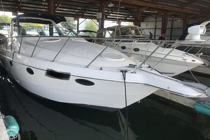 Chris-Craft Crowne 302 for sale in United States of America for $25,000 (£19,088)