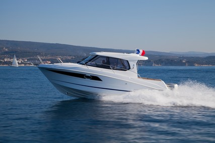 Beneteau Antares 880 HB for sale in France for €79,900 (£67,502)