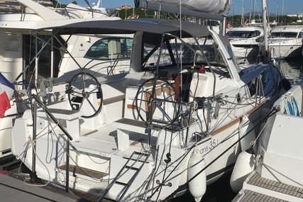 Beneteau OCEANIS 35.1 SHALLOW DRAFT for sale in France for €146,000 (£125,631)