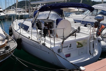 Beneteau Oceanis 31 for sale in France for €52,000 (£44,376)