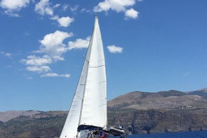 Jeanneau Sun Odyssey 39i for sale in France for €92,000 (£83,238)