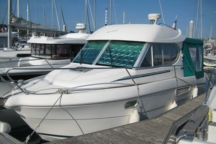 Jeanneau Merry Fisher 805 for sale in France for €37,000 (£32,776)