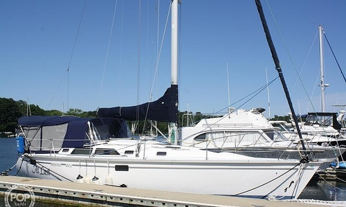Image of Hunter Legend 37.5 for sale in United States of America for $59,900 (£46,337) Kittery, Maine, United States of America
