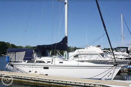 Hunter Legend 37.5 for sale in United States of America for $59,900 (£47,993)