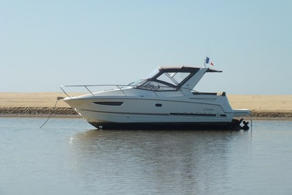 Jeanneau Leader 8 for sale in France for €60,000 (£52,657)