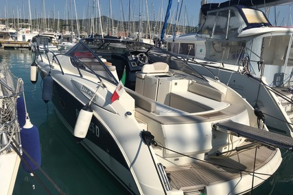 Atlantis 35 for sale in Italy for €97,000 (£81,713)