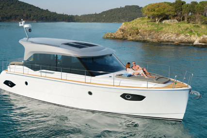 Bavaria E40 for sale in Italy for €235,000 (£200,529)