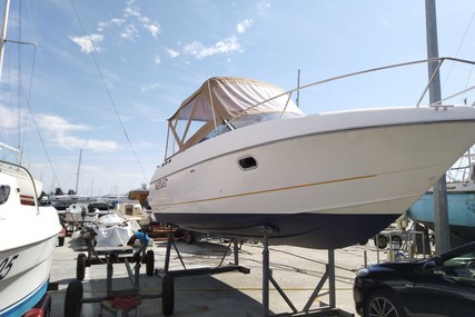Beneteau Flyer Viva 7.80 for sale in France for €20,000 (£17,671)