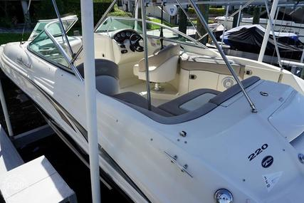 Sea Ray 220 Sundeck for sale in United States of America for $15,000 (£12,143)