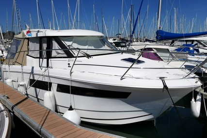 Jeanneau Merry Fisher 855 for sale in France for €65,000 (£57,045)
