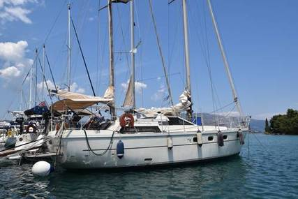 Ferretti 422 Altura Ketch for sale in Greece for €59,000 (£53,882)