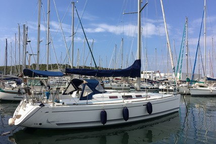Dufour Yachts 40 for sale in France for €90,000 (£75,768)