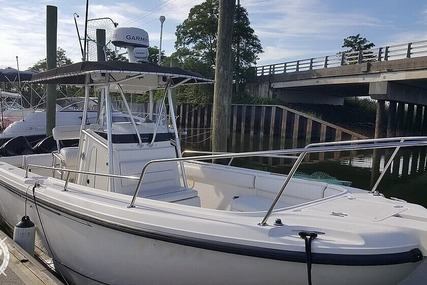 Boston Whaler 260 Outrage for sale in United States of America for $37,900