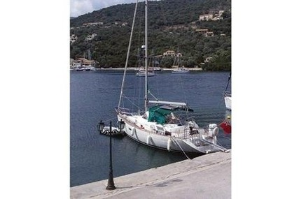 Beneteau Oceanis 36 CC for sale in Greece for £45,000