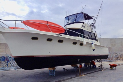 Hatteras Contvertable 41 convertible for sale in Malta for €32,000 (£28,949)