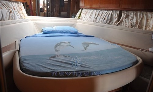 Image of Azimut Yachts 43 for sale in Italy for €120,000 (£107,982) Toscana, Italy