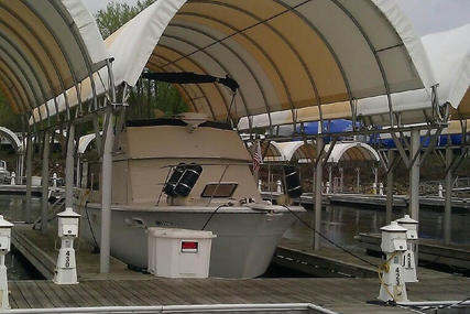Hatteras 38 Double cabin cruiser for sale in United States of America for $24,750 (£19,872)