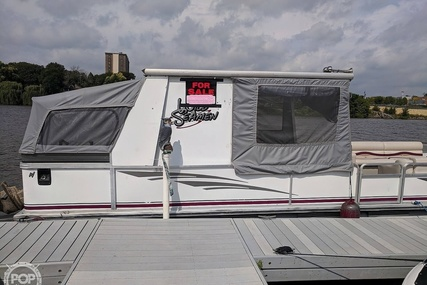 Sun Tracker Party hut 30 for sale in United States of America for $28,000 (£21,343)