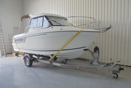 Jeanneau Merry Fisher 605 for sale in France for €29,500 (£25,461)