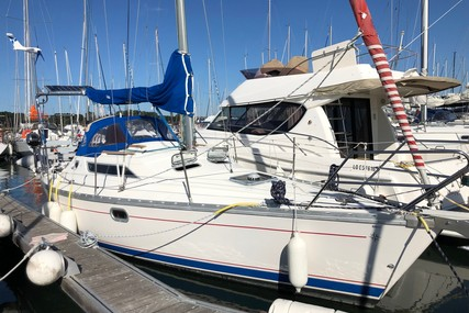 Jeanneau Sun Odyssey 30 for sale in France for €35,000 (£29,526)