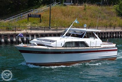 Chris-Craft 37 Constellation for sale in United States of America for $87,500 (£63,244)