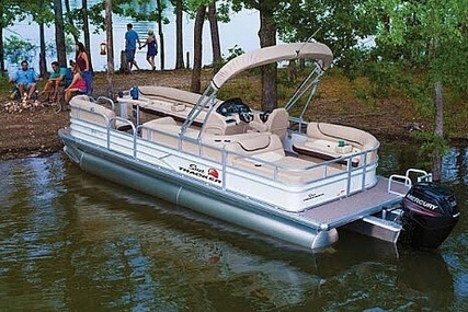 Sun Tracker 22 DLX Party Barge for sale in United States of America for $29,500 (£22,389)