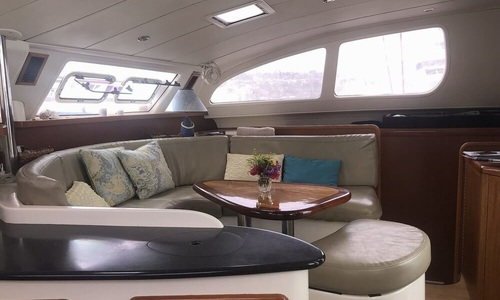 Image of Robertson and Caine LEOPARD 43 for sale in France for €210,000 (£189,321) ARCACHON, France