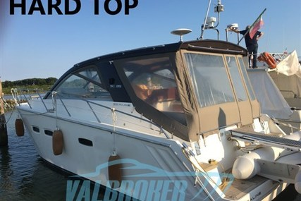 Sealine SC 35 for sale in Italy for €129,000 (£111,003)