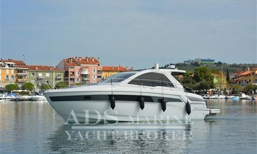 Image of Bavaria Yachts Sport 39 HT for sale in Slovenia for €198,500 (£167,110) Slovenia